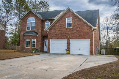 Goose Creek Single Family Home For Sale: 111 Dasharon Lane