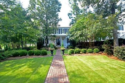 Mount Pleasant Single Family Home For Sale: 63 Robert Mills Circle