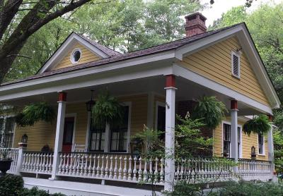 Summerville Single Family Home For Sale: 920 S Main Street