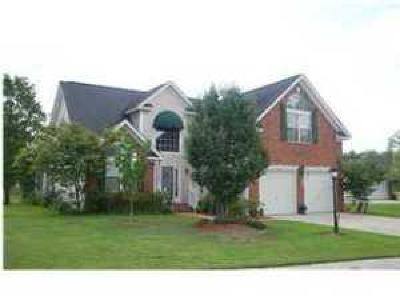Goose Creek Single Family Home For Sale: 100 Trent Court