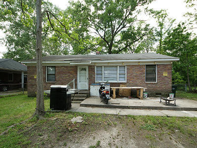 Goose Creek Single Family Home Contingent: 313 Adeline Drive