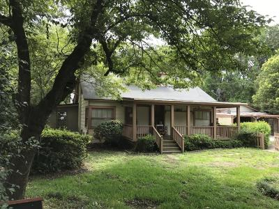 Single Family Home Contingent: 425 Riverland Drive