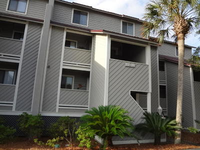 Folly Beach SC Attached Contingent: $334,000