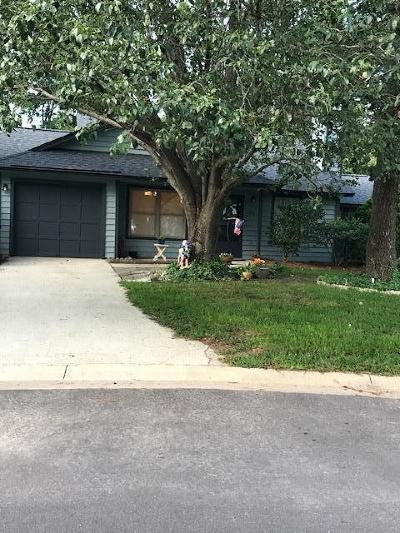Single Family Home Contingent: 1210 Canvasback Court Court