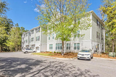 Charleston County Attached Contingent: 60 Fenwick Hall Allee #524