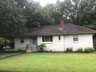 Single Family Home Contingent: 423 Martello Drive