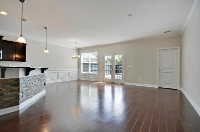 Mount Pleasant SC Attached For Sale: $316,000