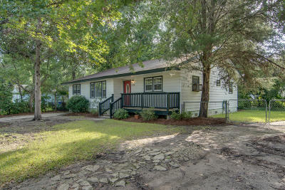 Charleston Single Family Home For Sale: 834 Lasalle Street