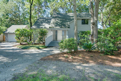 Charleston Single Family Home For Sale: 12 Pony Lane
