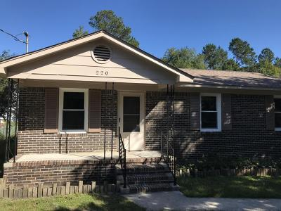 Berkeley County Single Family Home For Sale: 220 Broughton Road