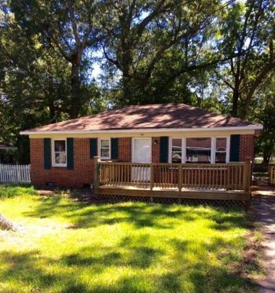 Goose Creek Single Family Home For Sale: 310 Annette Drive