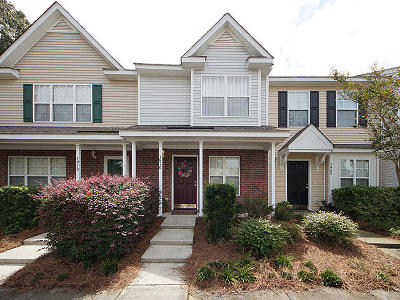 Attached Contingent: 7970 Shadow Oak Drive