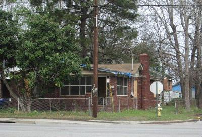 Single Family Home For Sale: 1804 E Montague Avenue