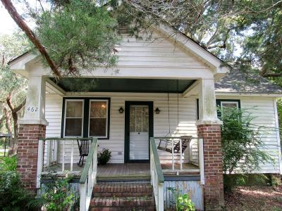 Charleston Single Family Home Contingent: 462 Woodland Shores Road