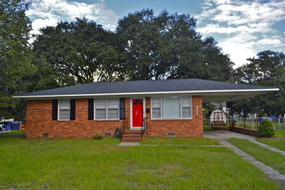 Charleston Single Family Home For Sale: 1138 Crull Drive