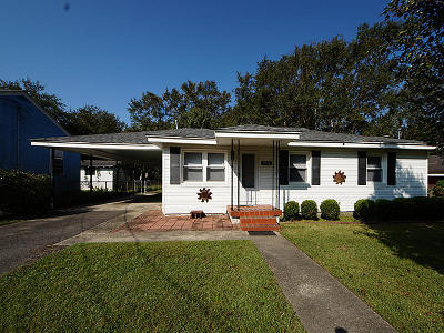 Single Family Home Contingent: 5749 Pilgrim Avenue