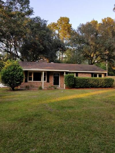 Summerville Single Family Home For Sale: 105 Newington Road