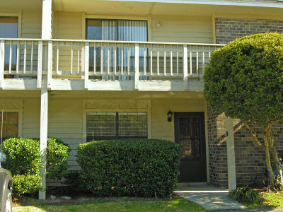 Attached For Sale: 8056 Thelen Street