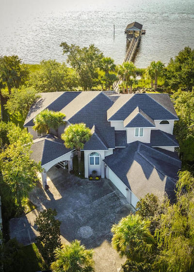Single Family Home For Sale: 1958 Sandy Point Lane