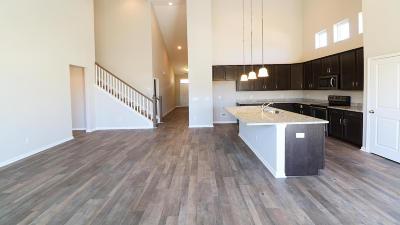 Single Family Home For Sale: 2 Coastal Wood Lane
