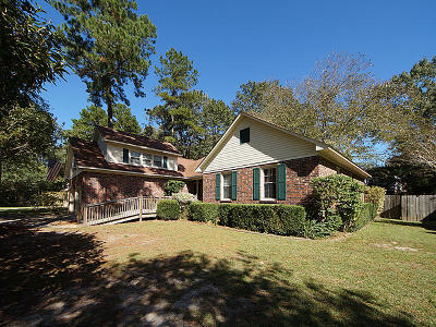 Goose Creek Single Family Home For Sale: 158 Hickory Trace Drive