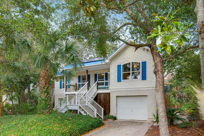 Folly Beach Single Family Home For Sale: 304 W Hudson Avenue