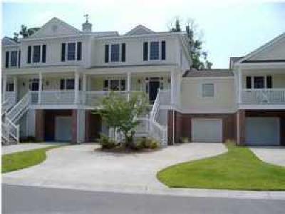 Stono Ferry, Stono Plantation Attached For Sale: 5281 7th Green Drive