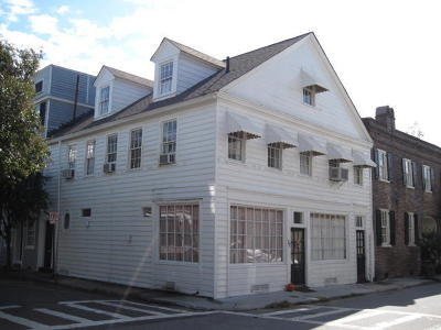 Single Family Home Contingent: 72 King Street