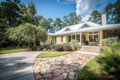 Ravenel Single Family Home For Sale: 4300 Lady Banks Lane