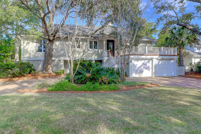 Isle Of Palms Single Family Home For Sale: 26 Fairway Oaks Lane