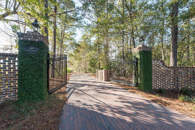 Single Family Home For Sale: 649 Commonwealth Road