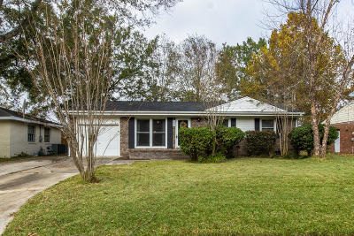Goose Creek Single Family Home For Sale: 304 Holly Avenue