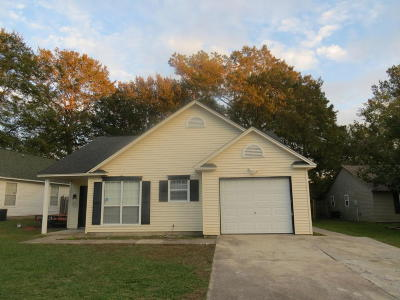 Goose Creek Single Family Home For Sale: 103 Dudley Lane