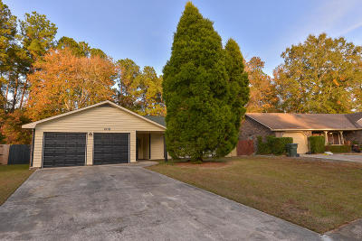 Goose Creek Single Family Home For Sale: 408 Terrier Road
