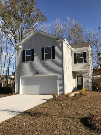 Moncks Corner Single Family Home For Sale: 152 Stoney Creek Way