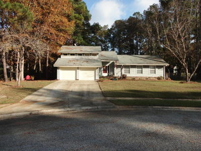Goose Creek Single Family Home Contingent: 102 Cumberland Court