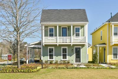 Single Family Home For Sale: 203 Bumble Way