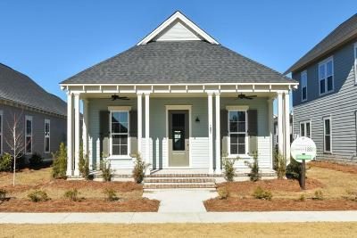 Single Family Home For Sale: 105 Clear Bend Lane