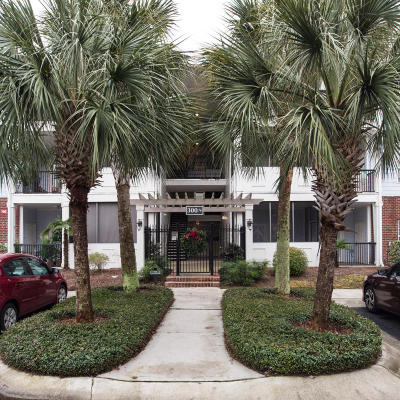 Charleston SC Attached For Sale: $195,000