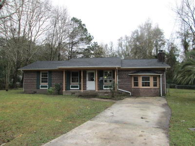 Summerville Single Family Home Contingent: 220 Eagle Drive