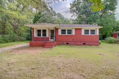 Goose Creek Single Family Home For Sale: 17 Guerry Circle