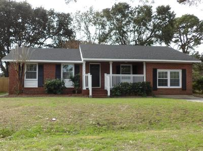 Charleston Single Family Home For Sale: 1473 Woodview Lane