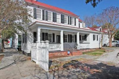 Charleston Single Family Home For Sale: 92 Smith Street
