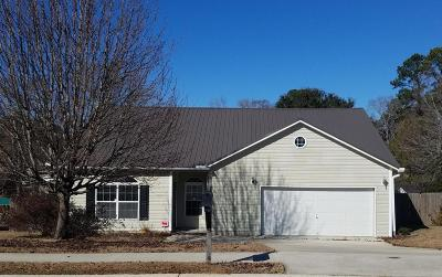 Goose Creek Single Family Home For Sale: 115 Round Table Lane