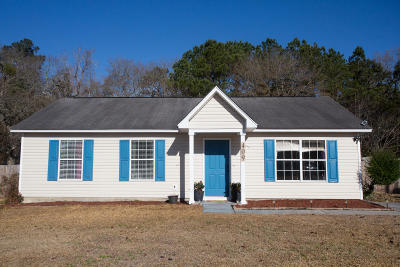 Goose Creek Single Family Home For Sale: 409 Hastie Drive