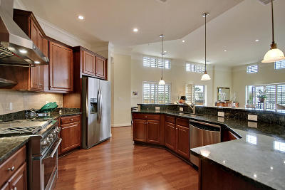 Berkeley County, Charleston County Attached For Sale: 225 Seven Farms Drive #304