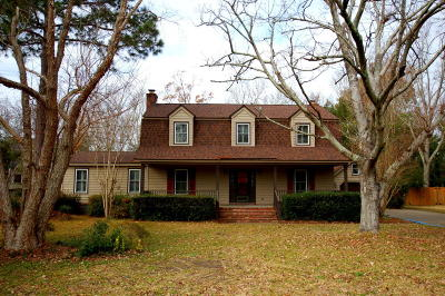 Stiles Point Plantation Single Family Home For Sale: 703 Castle Pinckney Drive
