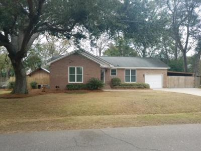 Charleston Single Family Home For Sale: 1238 Valley Forge Drive