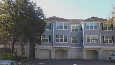 Johns Island Attached Contingent: 60 Fenwick Hall Allee #136