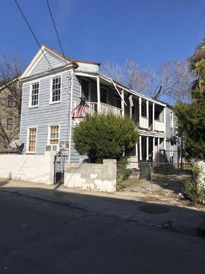 Single Family Home Contingent: 52 Aiken Street
